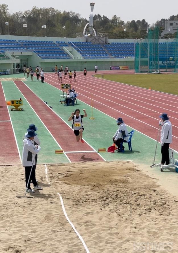 육상대회_멀리뛰기.JPG